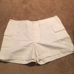 Old navy cream shorts